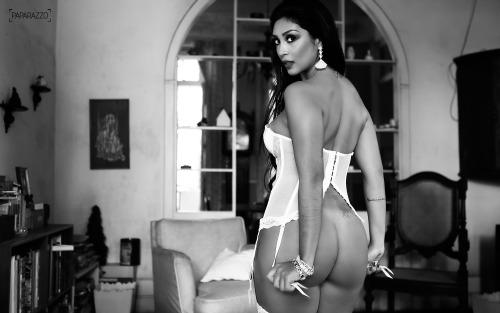 AMANDA DJEHDIAN paparazzo fotos__18__024