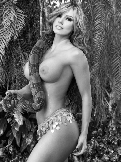 ESPERANZA GOMEZ playboy__57__024