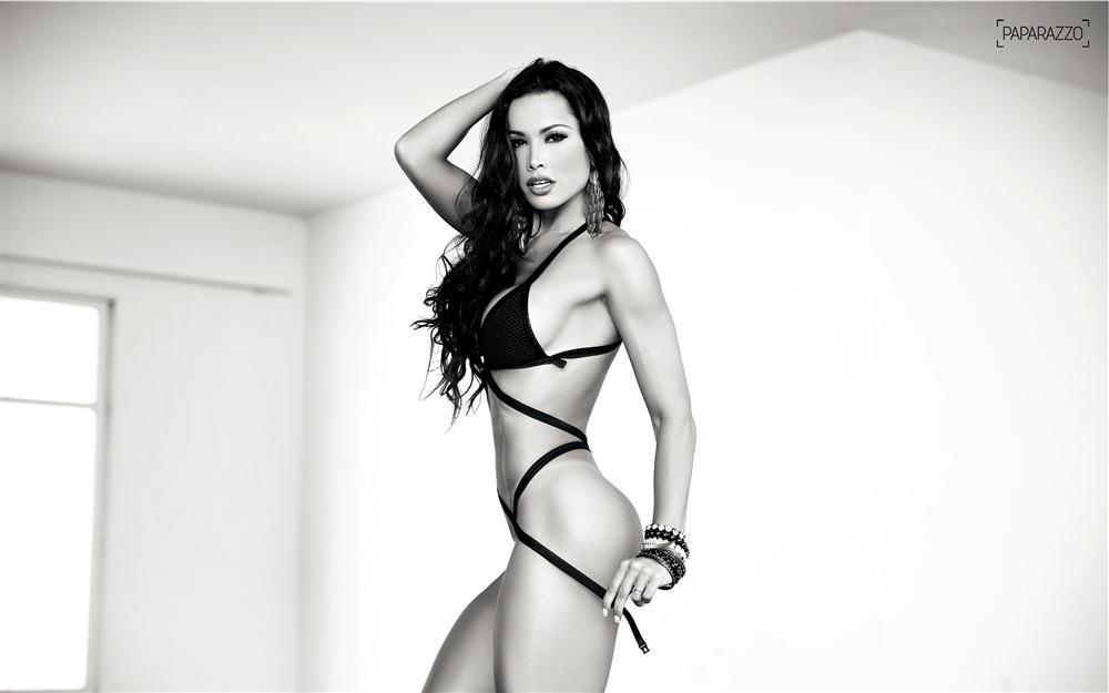 Fernanda D'avila  paparazzo__06__002