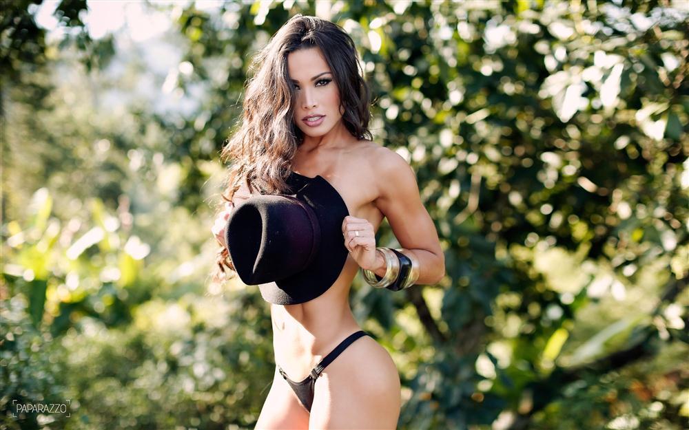 Fernanda D'avila  paparazzo__06__014