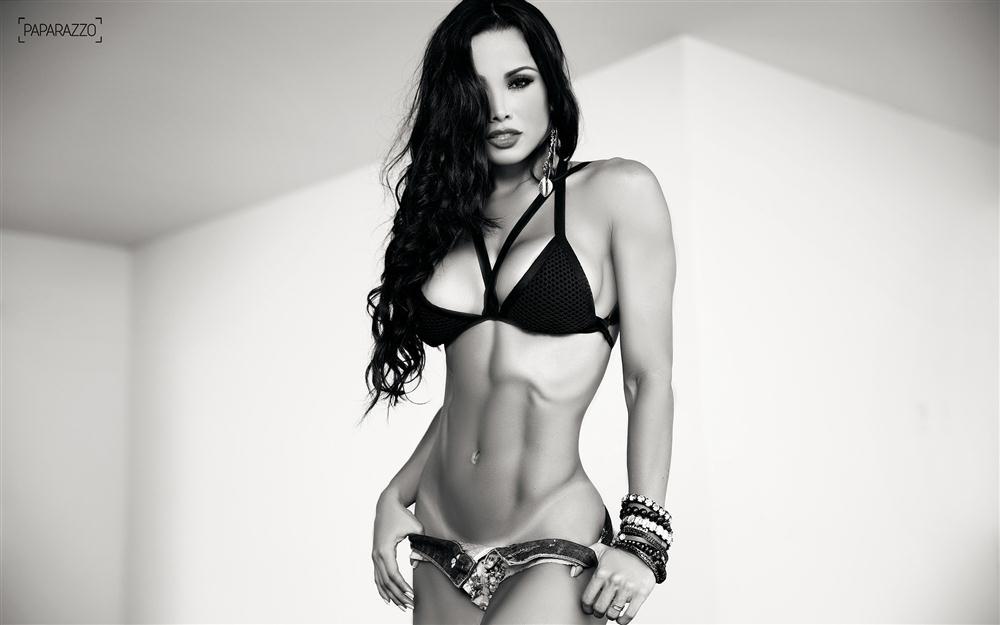 Fernanda D'avila  paparazzo__50__010